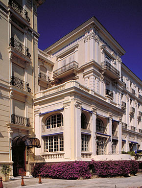 Détail : l'avant-corps situé à la jonction entre l'hôtel et l'annexe, depuis le sud-ouest.
