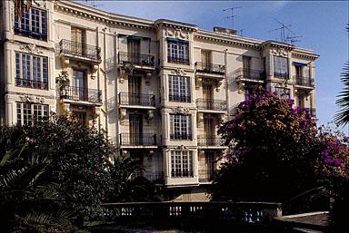 Vue partielle de la façade ouest, depuis l'ouest.