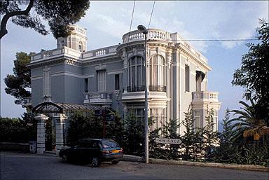 Vue d'ensemble de la façade nord, depuis le nord-ouest.